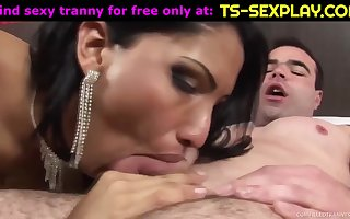 Cute tranny with big ass in hard fuck